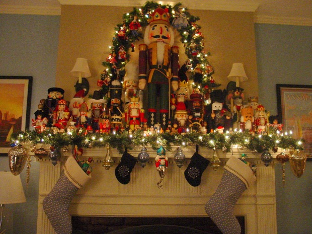 mantle-with-nutcrackers